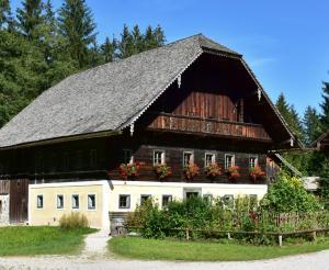 Altes Bauernhaus im Freilichtmuseum Salzburg