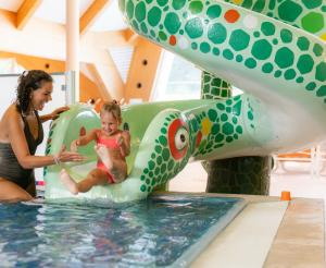 Rutsche fuer Kinder Therme Amade