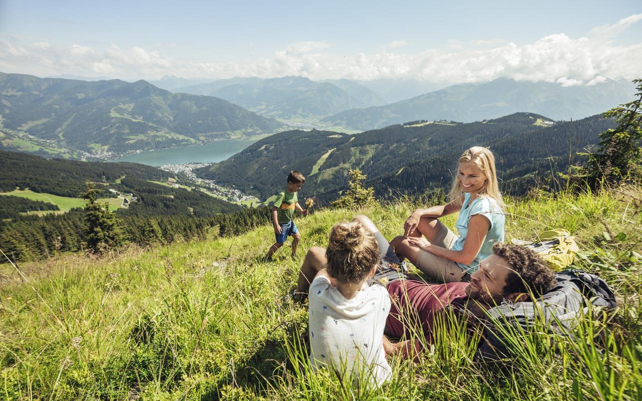 Hiking on the Schmittenhoehe