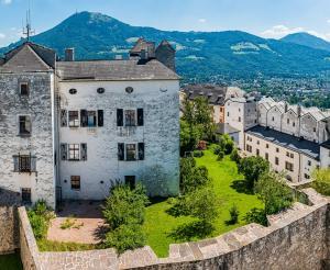 Gebaeude auf dem Festungsberg