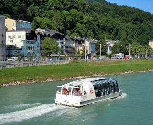 City ship on Salzach