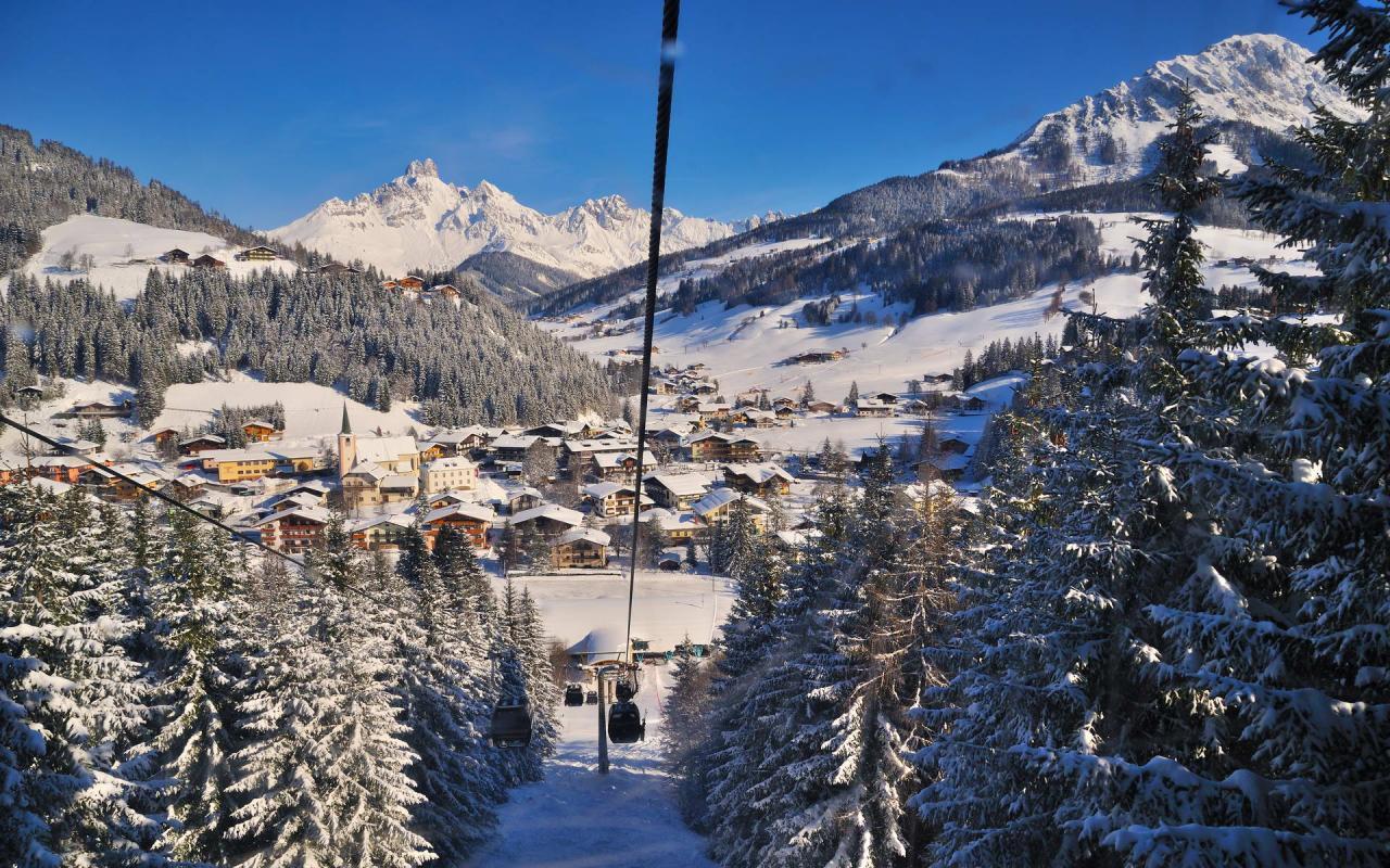 Gondelbahn auf den Rossbrand Bergbahnen Filzmoos Winter