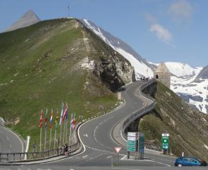 The course of the Grossglockner High Alpine Road