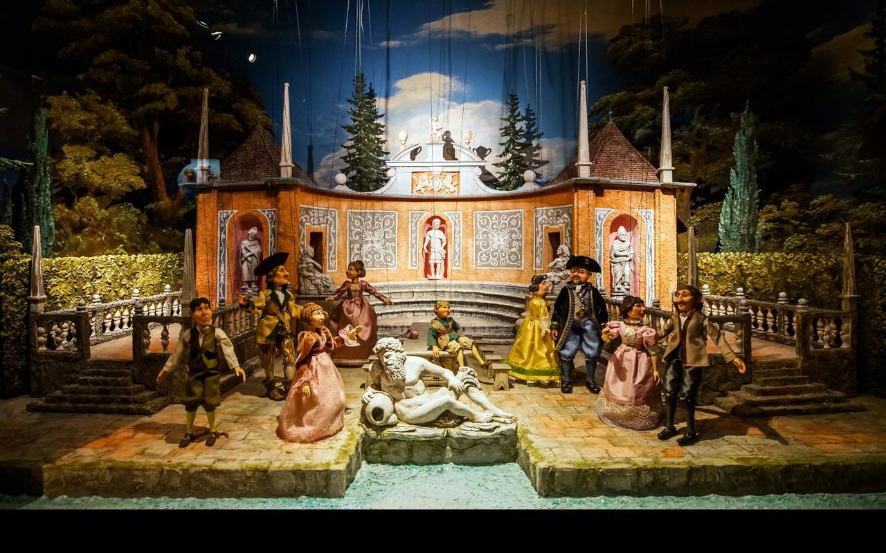 Salzburg, marionettenmuseum_shutterstock_508176916